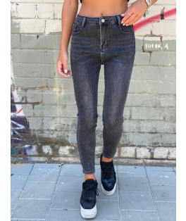ג'ינס גבוהה